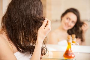 Wypadanie włosów - poznaj naturalne sposoby