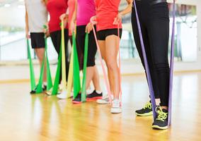 Ćwiczenia z gumami, czyli kompleksowy trening dla ciała