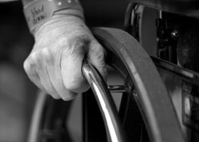 Jak dobrać wózek inwalidzki? Na co zwrócić uwagę?